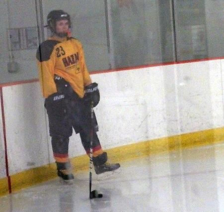On Their Own: New Group Takes over Girls Hockey