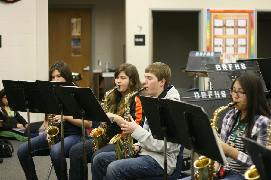 3-20 Students Prepare for District Solo and Ensemble [Photo Gallery]