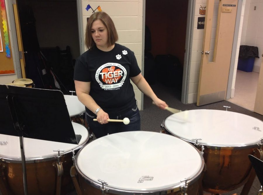 Band+teacher+Paula+Hardie+plays+the+timpani+in+the+band+room.+She+will+be+playing+with+the+La+Crosse+concert+band+over+the+summer.%0A