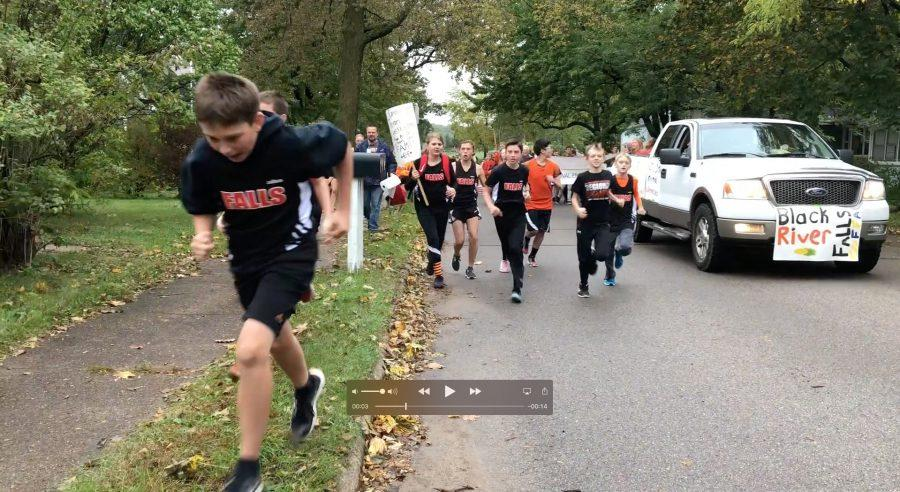 Cross country team adds middle schoolers to streak
