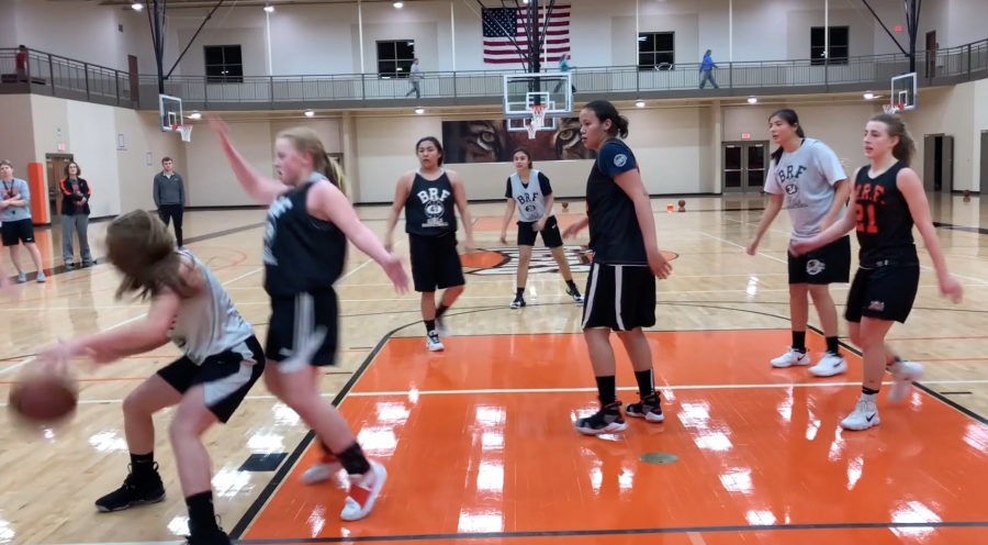 Girls+Basketball+Expects+Continued+Improvement